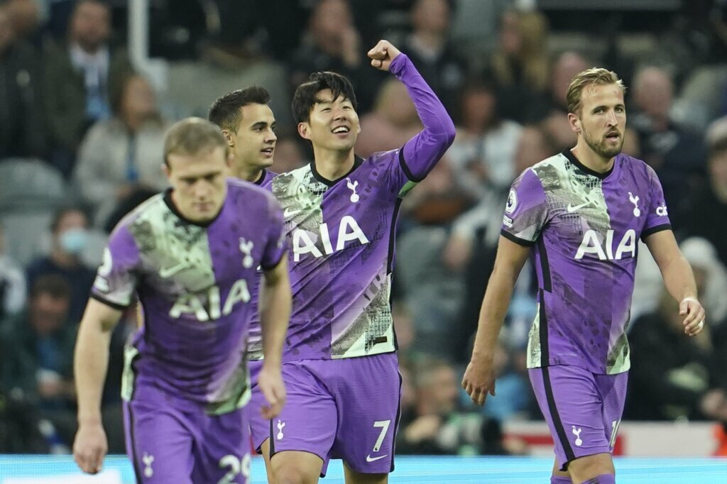 Newcastle lose 3-2 to Tottenham in a gloomy start to a new era