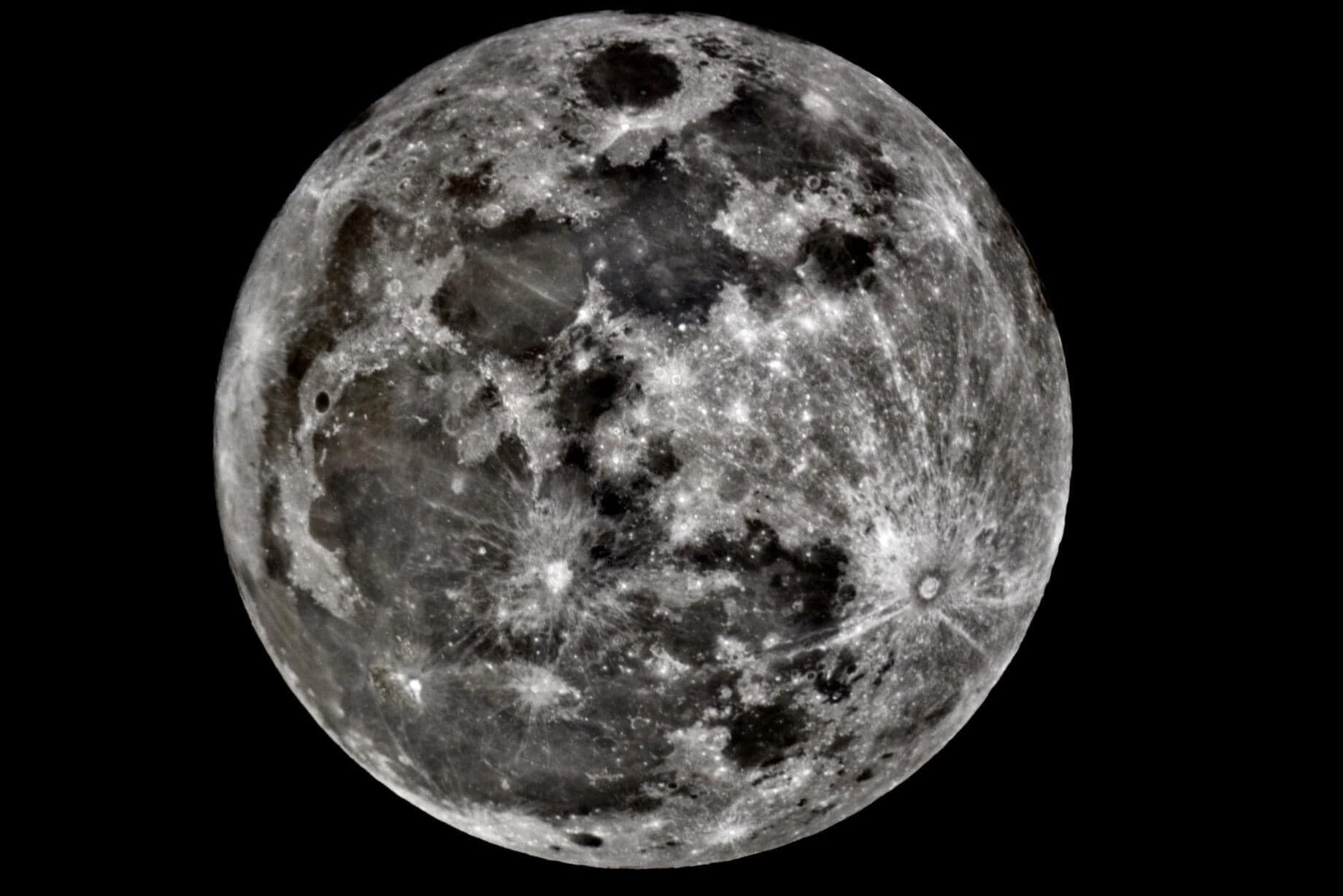 The moon takes center stage Saturday night