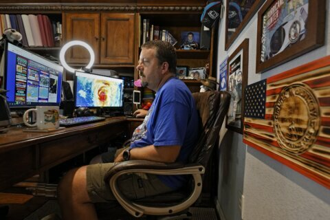 Weather junkies turn to Florida hurricane blogger for info